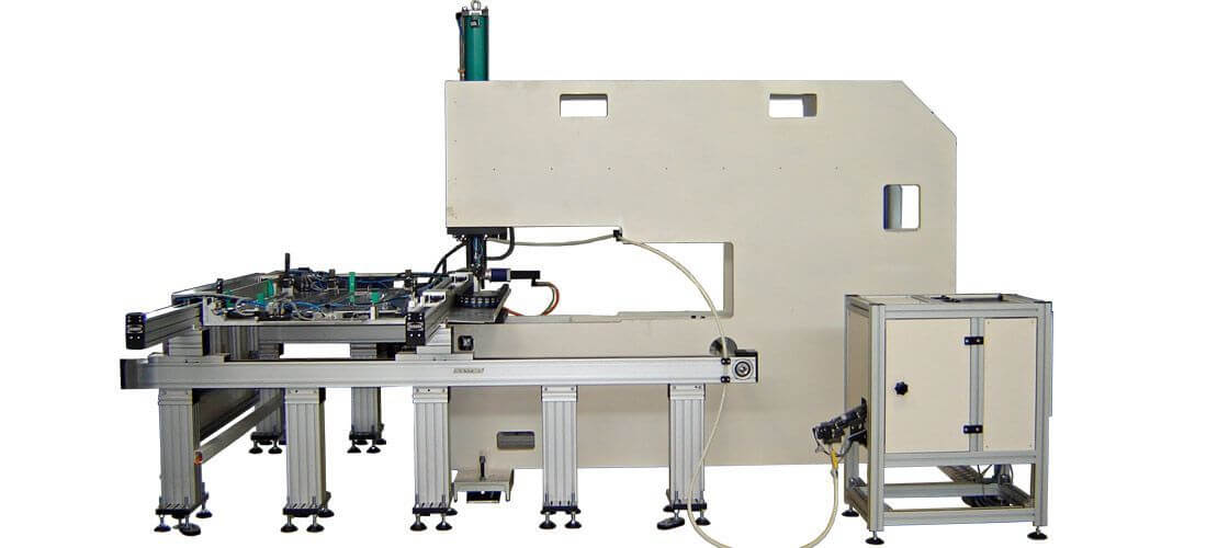 Stationary CNC systems with automated feeding of components Exemplary application scenarios 1